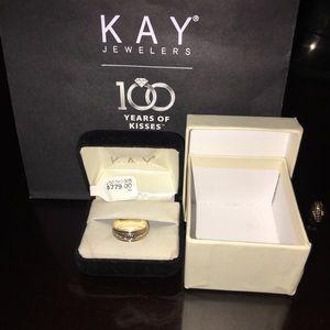 14k Y Gold Ring w/ Dimond Cut Engraved Pattern